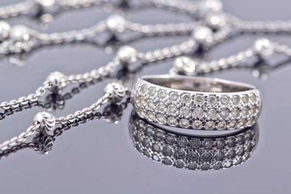 روش های تست شده برایتمیز کردن جواهرات نقره