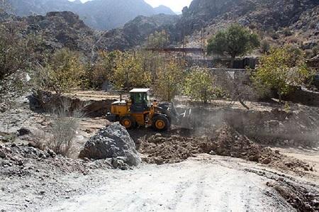 سی ساخت و ساز غیرمجاز در حریم رودخانههای آستارا قلع و قمع شد